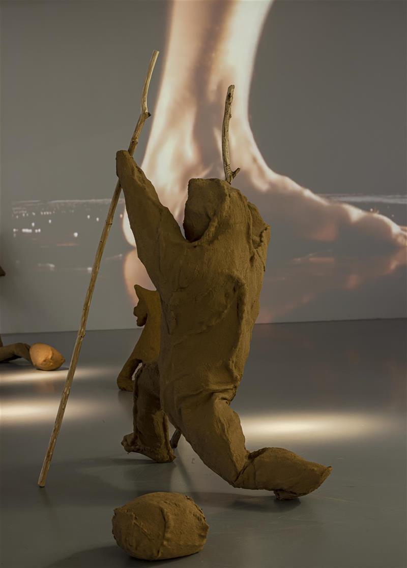 Giant's Feet, 2001