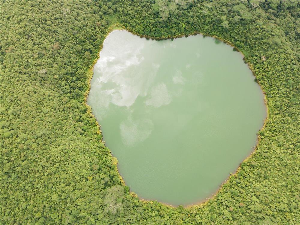 Lake Lano'oto
